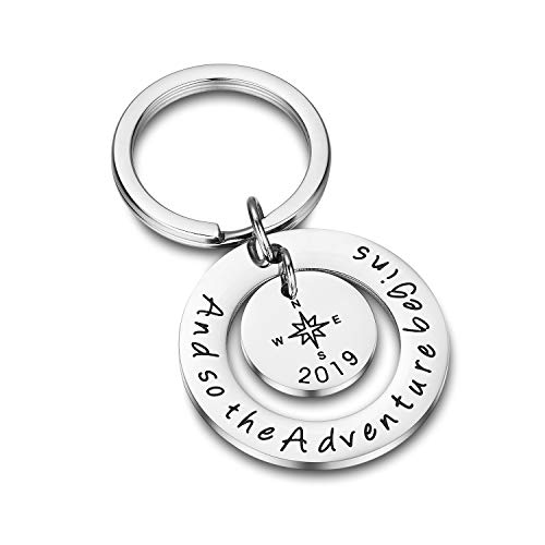 (Udobuy Graduation Keyring and So The Adventure Begins Keyring Graduation Keychain Inspirational Jewelry Inspirational Gift for Girl,Boys.)
