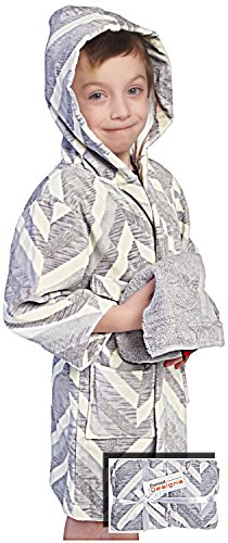 Price comparison product image Bathrobe for Kids - Hooded Childrens Robe Gift Set With Washcloths 100% Cotton by Pointed Designs