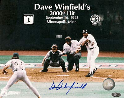 Autographed Signed Dave Winfield Minnesota Twins 8x10 Photo - Certified Authentic