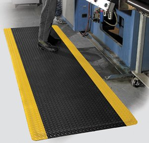 "Grease Resistant Antifatigue Traction Mat - Workplace Safety Mats - ""AirLift Diamond Plus"" - 02' x 03' - 5/8"" Thick - Black PVC Diamond Tread Surface & Yellow Stripe"