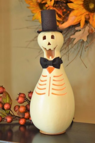 Meadowbrooke Gourds - Fall Skully The Skeleton, Medium, Tall Lit