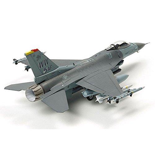 Tamiya America, Inc 60788, 1/72 F-16 CJ Fighting Flacon , w/Equipment, TAM60788 (F-16 Model Airplane)