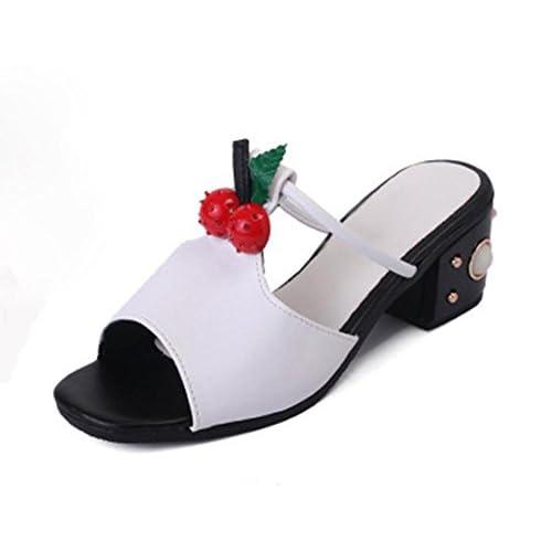 56b6f81f3 Durable Modelando mujeres de las sandalias romanas en verano con sandalias  y zapatillas palabra arrastre sandalias