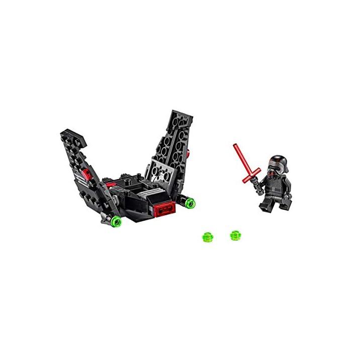 414X0qZfLvL Los recién llegados al mundo de los juguetes de construcción LEGO Star Wars podrán interpretar el papel de un emblemático villano con el modelo LEGO Microfighter: Lanzadera de Kylo Ren (75264), una versión de construcción rápida equipada con cañones que disparan de la que se vio por primera vez en Star Wars: El Despertar de la Fuerza. A los peques les encantará meterse en la piel del malo: pilotar la lanzadera, ajustar las alas para activar los modos de vuelo o aterrizaje, ¡y atacar a la Resistencia con 2 cañones que disparan y la espada láser de la minifigura de Kylo Ren! Kylo Ren cuenta con un flamante casco (novedad en enero de 2020), decorado como si estuviera agrietado, y su propia espada láser; además, se incluyen montones de ladrillos LEGO que animarán a los peques a usar su creatividad para construir algo diferente con otros sets LEGO Star Wars.