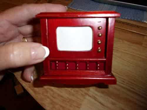 Shopping Furniture - TV & Movies - Dollhouse Accessories