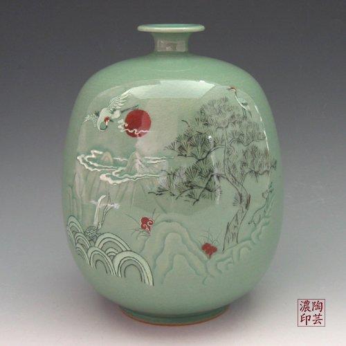 Korean Celadon Glaze Vase with Inlaid Ten Creatures of Longevity Design