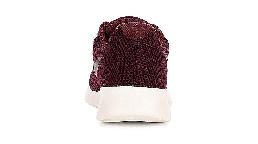 san francisco 2af58 edb74 Amazon.com   NIKE Women s Tanjun SE Running Shoes Sport Night Maroon 10    Road Running
