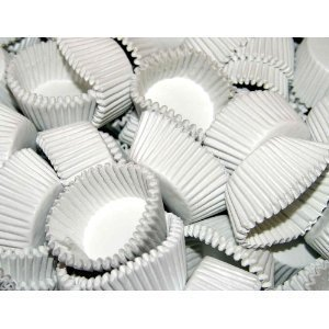 Case of 25,000 White #3 Paper Candy Cups by Reynolds