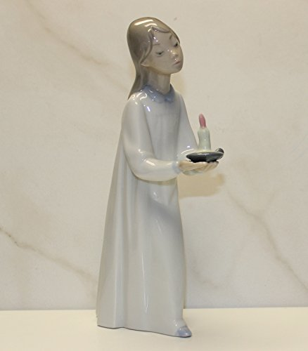 Lladro Porcelain Figurine from Spain GIRL W/CANDLE #4868 ()