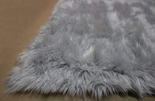 Light Gray Light Grey Colors 5×7 Feet Faux Fur Sheepskin Sheep Hide Sheep Skin Modern Contemporary Furry Fuzzy Area Rug Carpet Rug Solid Plush Pile Soft Decorative Designer Bedroom Living Room