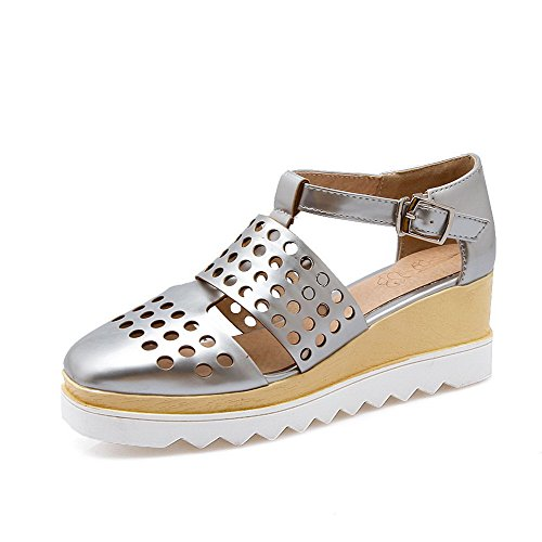 AllhqFashion Women's Soft Material Closed Toe Kitten-Heels Buckle Solid Wedges-Sandals Silver nP2X7d1eXL