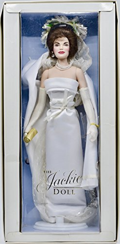 (1997 - Franklin Mint/Franklin Heirlooms - The Jackie Doll (Jackie Kennedy) 1962 Indian State Visit White Satin Gown - 14 inch Doll - Rare - Collectible )