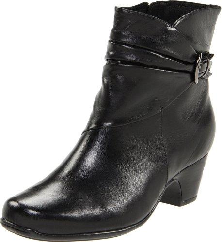 Clarks Women's Leyden Crest Boot,Black Leather,5.5 M US