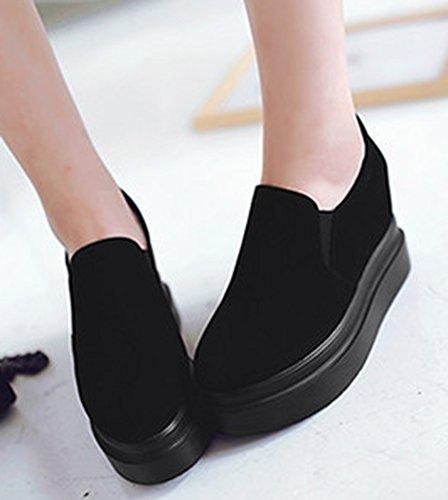 Idifu Donna Casual Basse Scarpe Zeppa Piattaforma Top Slip On Sneakers Con Tacchi Allinterno Nero