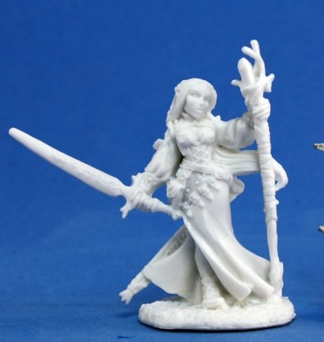 (Reaper Lysette, Female Elf 77076 by Miniatures)