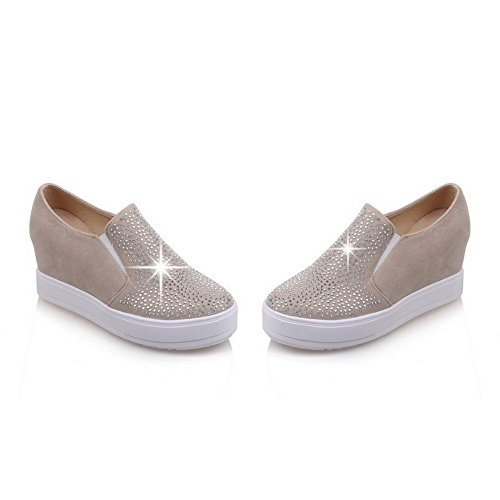 VogueZone009 Women's Imitated Suede Solid Pull-on Round Closed Toe Kitten-Heels Pumps-Shoes Apricot gfdP99o7m