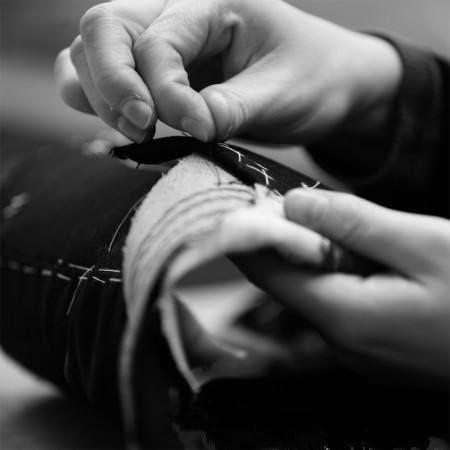 メンズファッションダークブラウンメンズスーツ3ピースウェディングスーツグルーミングタキシード