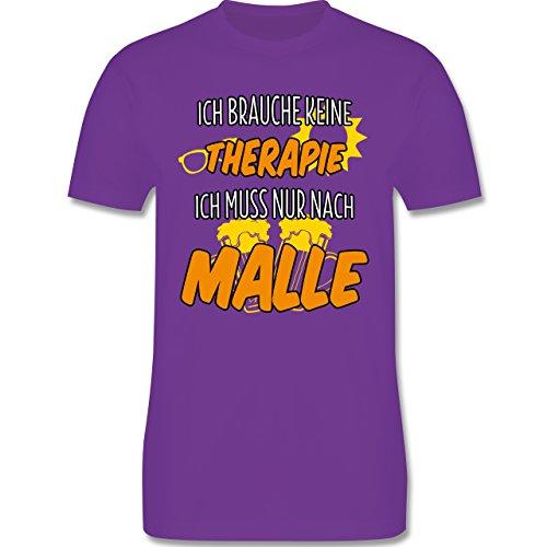 Urlaub - Ich brauche keine Therapie ich muss nur nach Malle - M - Lila - L190 - Herren Premium T-Shirt