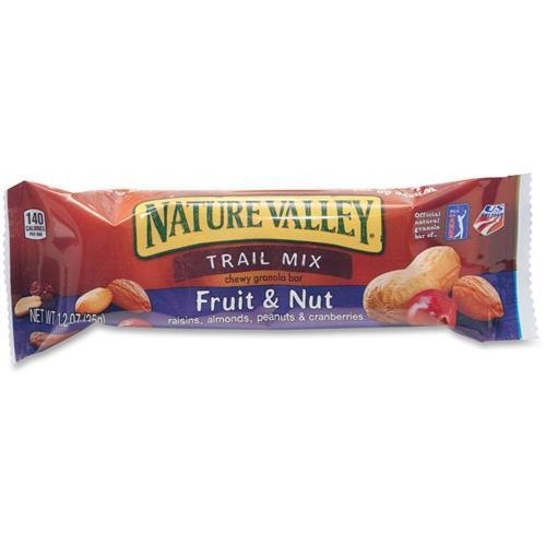 gnmsn1512-nature-valley-chewy-trail-mix-bars