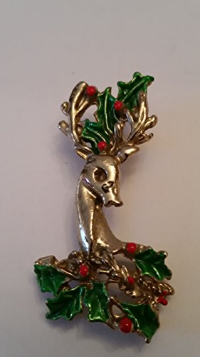 Tone Gold Reindeer (Beautiful Gold tone Reindeer head with neck with Christmas green Garlands and red berries pin brooch (Preowned))