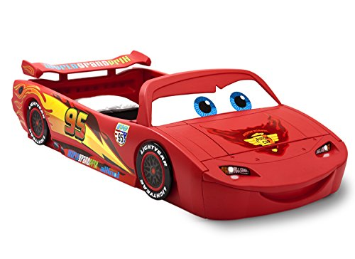 Delta Children Cars Lightning Mcqueen Toddler-To-Twin Bed with Lights and Toy Box, Disney/Pixar Cars