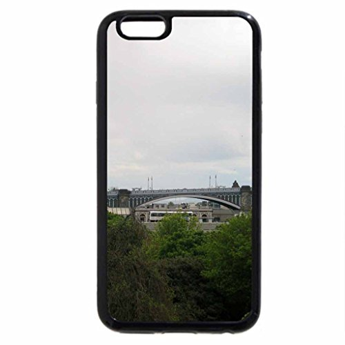 iPhone 6S / iPhone 6 Case (Black) Scotland Bridge on a cloudy day