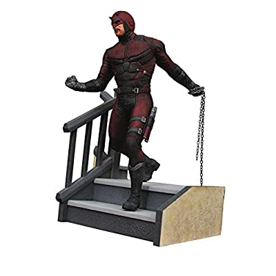 DIAMOND SELECT TOYS Marvel Premier Collection: Netflix Daredevil Resin Statue, Multicolor, Model:NOV182285: Toys & Games