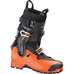 The only hybrid ski boot of its kind, the Procline Boot combines all oft he features of a classic alpine climbing boot with those of a lightweight ski mountaineering boot to create a new benchmark of agility and lightness for mixed ice/rock a...