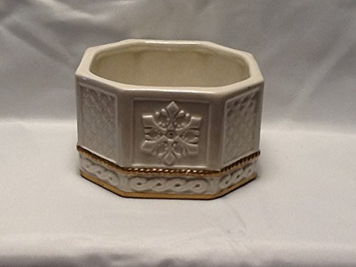 Snowy Woods Trinket Box Bottom, Replacement Dish ()