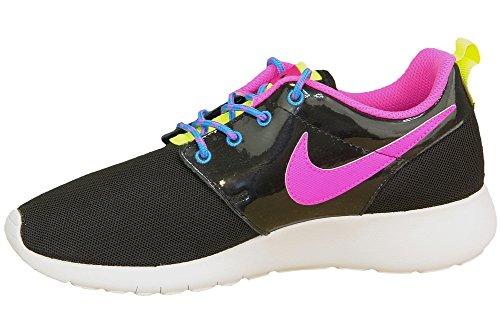 NIKE Kids Roshe One Running Shoe,Black/Pink Black-pink