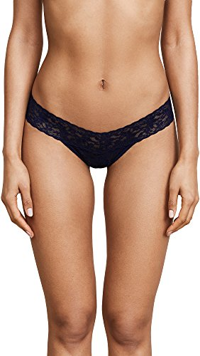 Hanky Panky Women's Petite Signature Lace Low Rise Thong, Navy, Blue, One Size