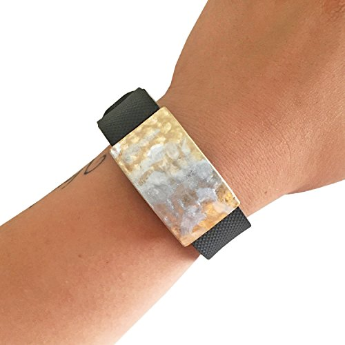 UPC 611138279239, FUNKtional Wearables Roxanna Hammered Metal Charm for Fitbit Charge/Charge HR, Silver/Gold