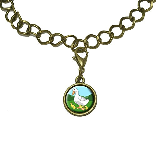 (Mama Duck and Ducklings Charm with Chain Bracelet)