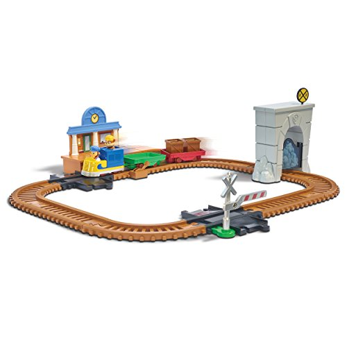 Paw Patrol, Adventure Bay Railway Track Set with Exclusive Vehicle, by Spin Master ()