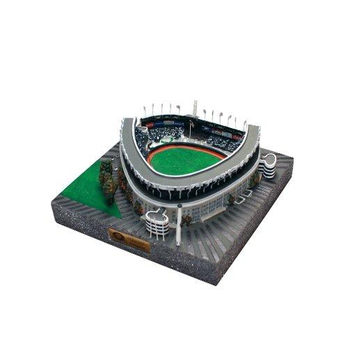- MLB 4750 Limited Edition Gold Series Stadium Replica of Yankee Stadium Former New York Yankees