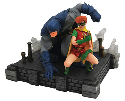 DIAMOND SELECT TOYS DC Gallery: The Dark Knight Returns Batman & Robin Deluxe PVC Figure Diorama, Multicolor