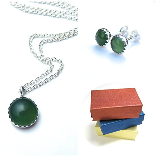 Serpentine Jewelry Set with Gemstone Studs and Necklace