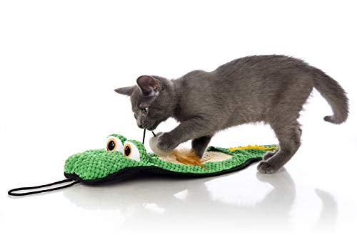 Best cat toys for indoor cats - Hartz Just For Cats Gator Scratch Toy Mat