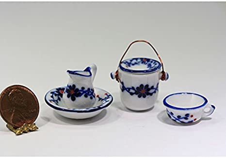 Dollhouse Miniature Chamber Pot Set in Blue and White