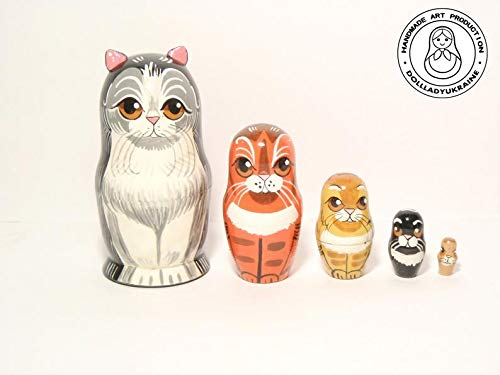ThuyTienStore Cats Happy Family Nesting Doll 5.25''/13.5 cm, Matryoshka Doll 5 pcs, Gift for Mom, Kids Gift, Animal Toys, Kids Room Decor by ThuyTienStore