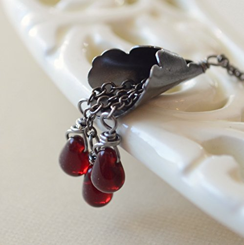 Red and Black Halloween Necklace ()