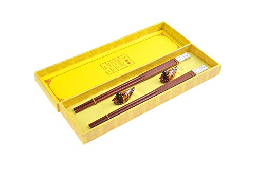 """Elegant red sandalwood chopstick set, with metal chinese characters""""HuaKaiFuGui"""" decoration (flowers bloom in prosperity), rests and decorative box (2 pairs), Mod. CB-S2-G-M01 (US)"""