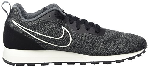 Nike Herren MD Runner 2 Engineered Mesh Sneaker Schwarz (Black/Black/Dk)