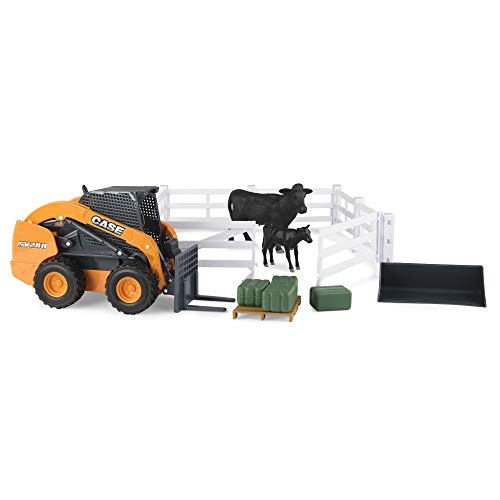 (ERTL Case 1:16 Scale Big Farm Hobby Set with Cattle)