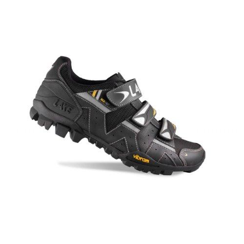 LAKE MTB-Schuh MX167 Mod.15 Obermaterial: atmungsaktives Action Leder und Mesh Laufsohle: strapazierfähige Mountain V Sohle von VIBRAM Verschluss: dreifacher Klettverschluss, schwarz/silber, Gr. 46 Nero (nero)