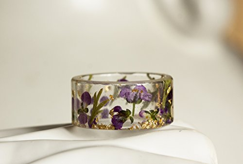Resin Ring with Pressed Purple Flowers and Gold Flakes by livinlovin