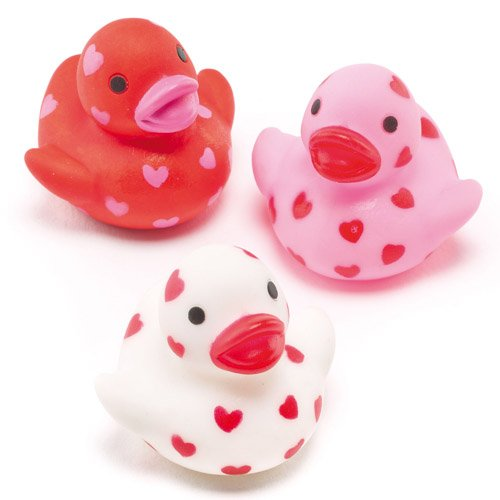 Baker Ross Mini Heart Rubber Ducks Perfect Party Bag Filler for Children (Pack of 6)