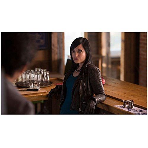Haven Kate Kelton as Jordan McKee Leaning Against Bar Counter 8 x 10 inch ()
