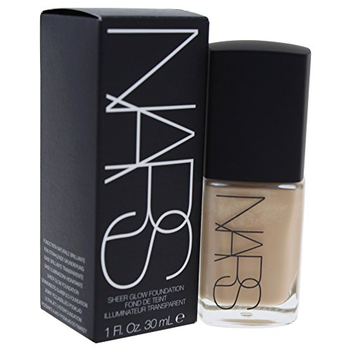 NARS Sheer Glow Foundation, Santa Fe