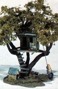 Tommy's Treehouse Mini Scene Woodland (Ho Scale Mini Scene)